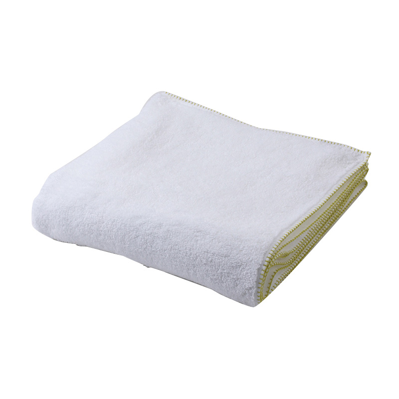 BLANKET STITCH BATH TOWEL CHARTREUSE