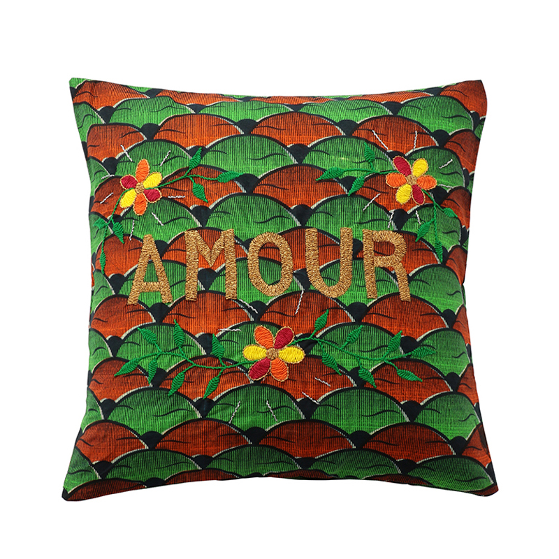 AFRICAN EMBROIDERED CC 45x45 AMOUR 01002